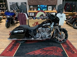 2021 Indian Motorcycle® Chieftain® Limited Thunder Black Pearl