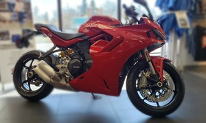 2021 Ducati SuperSport 950 Ducati Red
