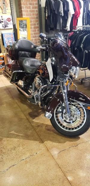 2011 Harley-Davidson FLHTC - Electra Glide® Classic
