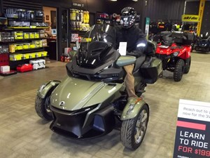 2021 Can-Am Spyder® RT Sea To Sky SE6