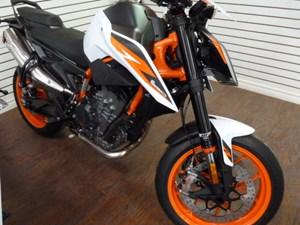 2021 KTM 890 Duke R