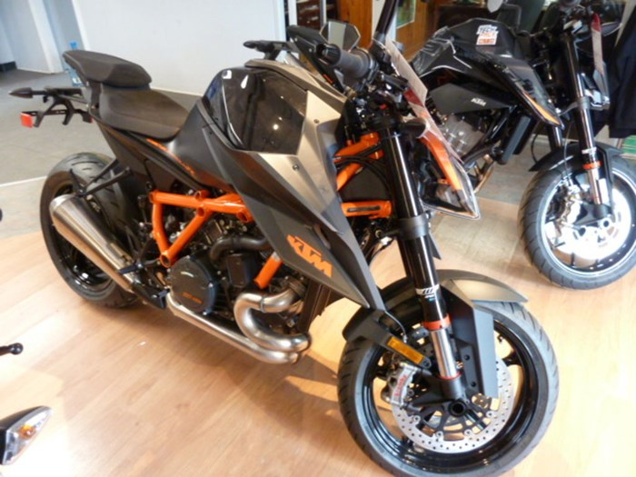 2021 KTM 1290 Super Duke R Photo 1 of 7