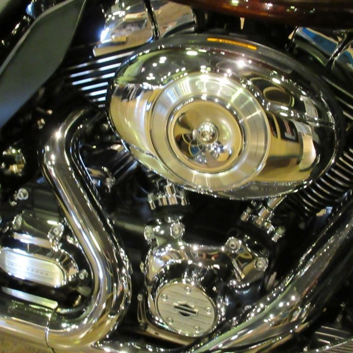 2011 Harley-Davidson FLHTK - Electra Glide® Ultra Limited Photo 4 of 8