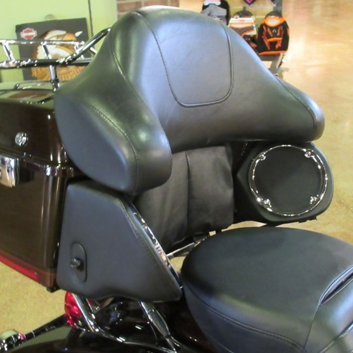 2011 Harley-Davidson FLHTK - Electra Glide® Ultra Limited Photo 6 of 8