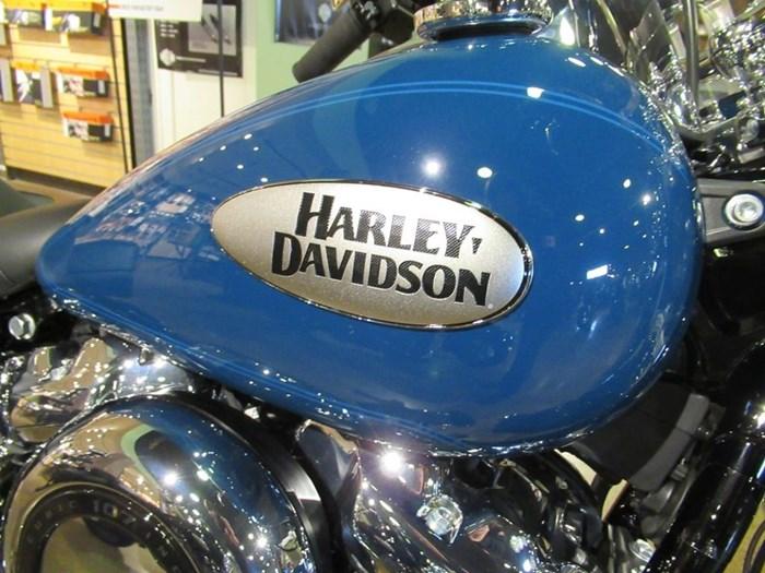 2021 Harley-Davidson FLHC - Heritage Classic Photo 3 of 9