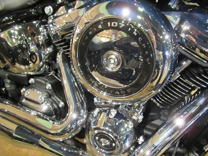 2021 Harley-Davidson FLHC - Heritage Classic Photo 4 of 9