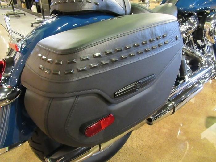 2021 Harley-Davidson FLHC - Heritage Classic Photo 7 of 9