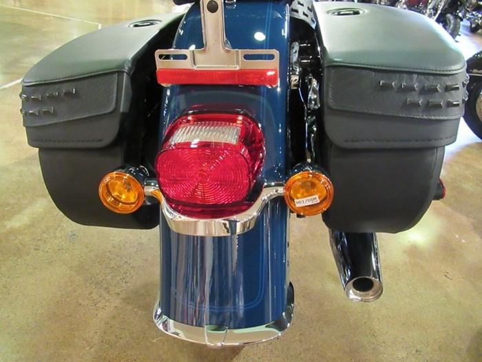 2021 Harley-Davidson FLHC - Heritage Classic Photo 8 of 9