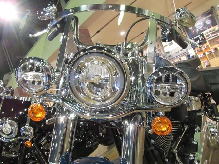 2021 Harley-Davidson FLHC - Heritage Classic Photo 9 of 9
