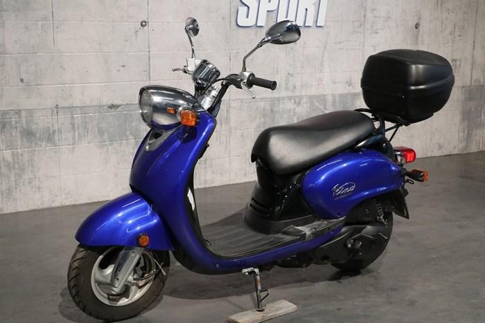 2006 Yamaha Vino 125 Photo 2 of 12