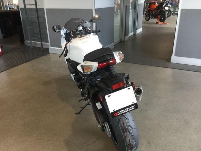 2021 Suzuki GSX-R750 Photo 4 of 5