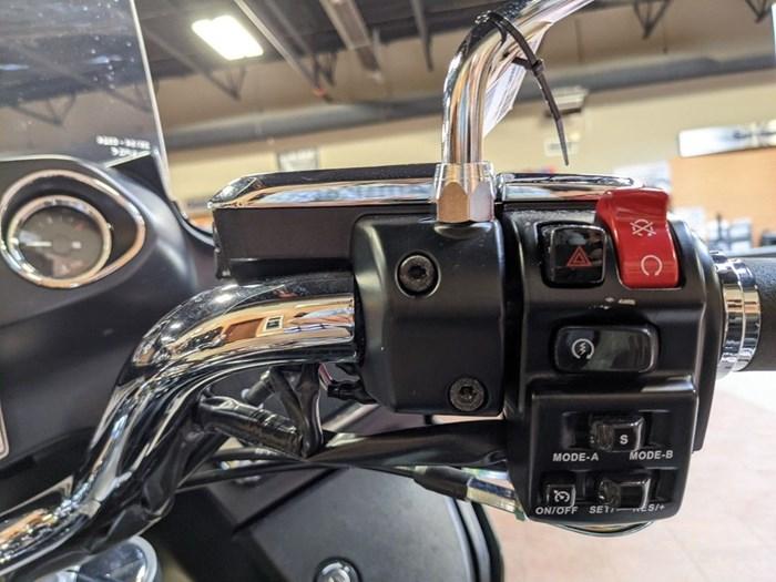 2017 Kawasaki Vulcan 1700 Voyager ABS Photo 15 of 15