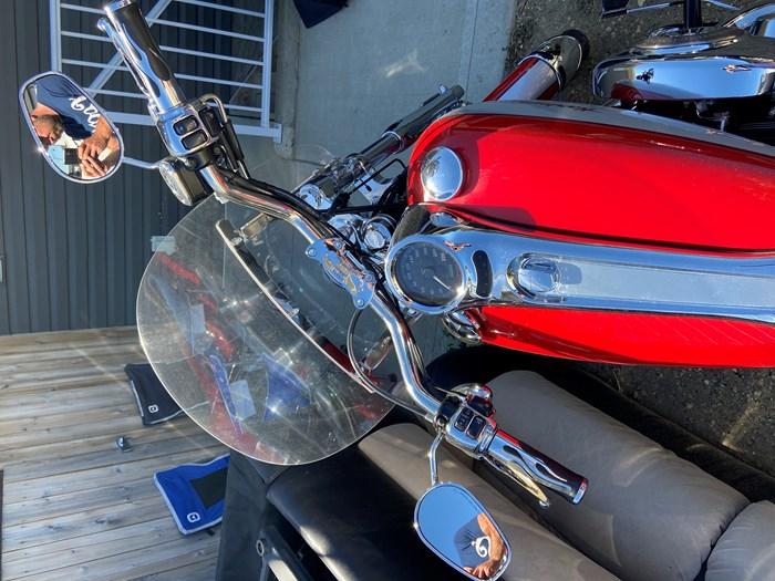 2002 Harley-Davidson Softail Duece Photo 8 of 9