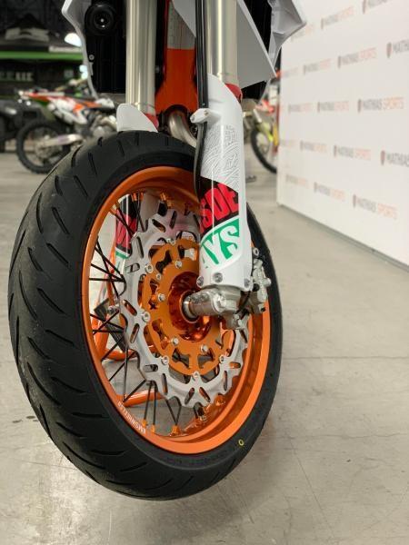 2021 KTM 500 EXC-F SIX DAYS MODIFIÉ SUPERMOTARD !! Photo 4 sur 8