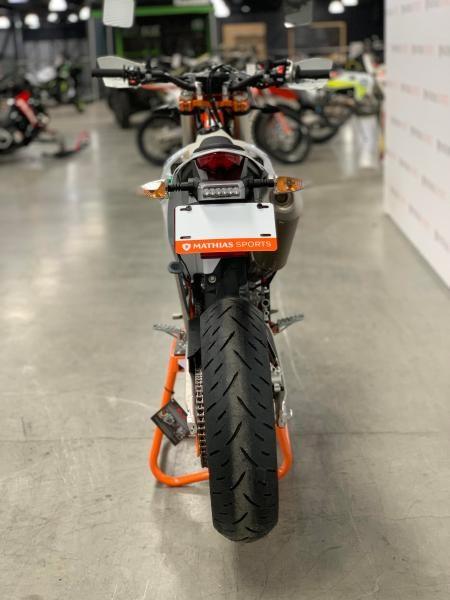 2021 KTM 500 EXC-F SIX DAYS MODIFIÉ SUPERMOTARD !! Photo 5 sur 8