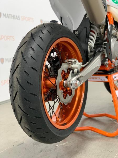 2021 KTM 500 EXC-F SIX DAYS MODIFIÉ SUPERMOTARD !! Photo 6 sur 8