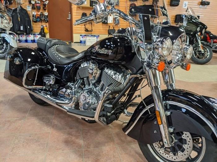 2017 Indian Motorcycle® Springfield™ Thunder Black Photo 3 of 13