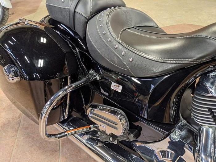 2017 Indian Motorcycle® Springfield™ Thunder Black Photo 8 of 13