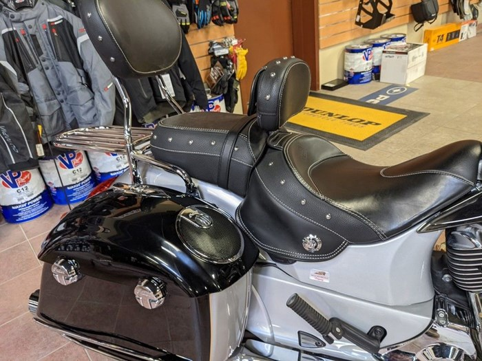 2017 Indian Motorcycle® Chieftain® Star Silver Over Thunder Blac Photo 10 of 16