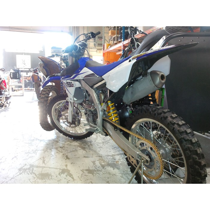 2014 Yamaha YZf Photo 3 of 4