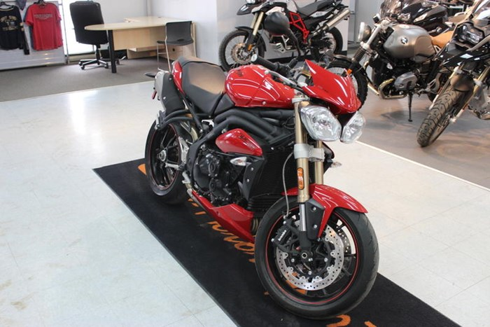 2015 Triumph Speed Triple ABS Photo 2 of 7