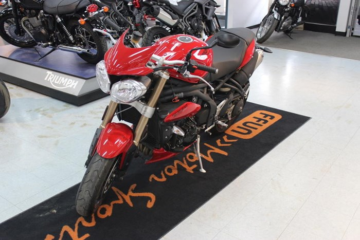 2015 Triumph Speed Triple ABS Photo 3 of 7