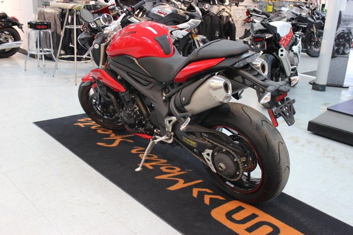 2015 Triumph Speed Triple ABS Photo 4 of 7