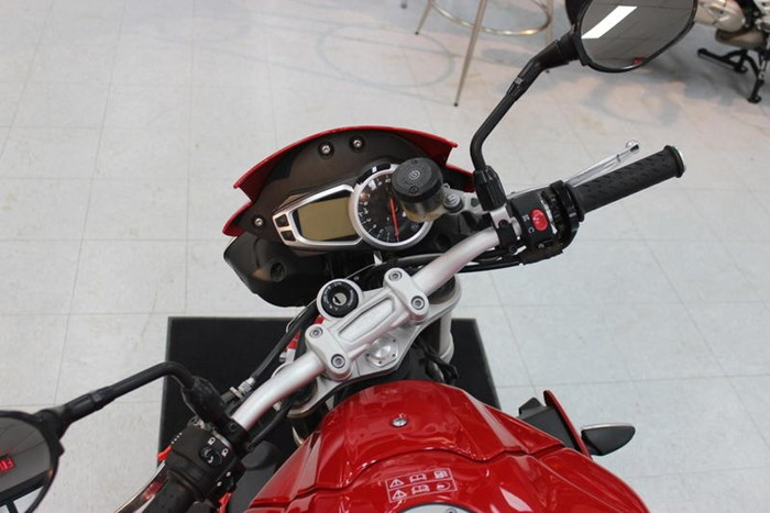 2015 Triumph Speed Triple ABS Photo 6 of 7