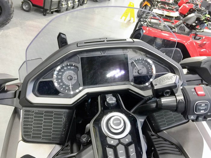 2018 Honda Gold Wing ABS Photo 5 of 9