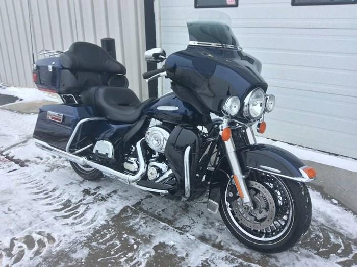 2012 Harley-Davidson FLHTK - Electra Glide® Ultra Limited Photo 2 sur 9
