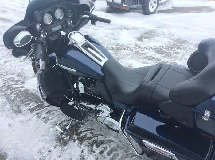 2012 Harley-Davidson FLHTK - Electra Glide® Ultra Limited Photo 8 sur 9