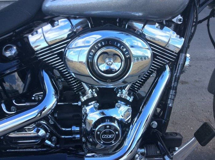 2015 Harley-Davidson FXSB - Softail® Breakout™ Photo 5 sur 11