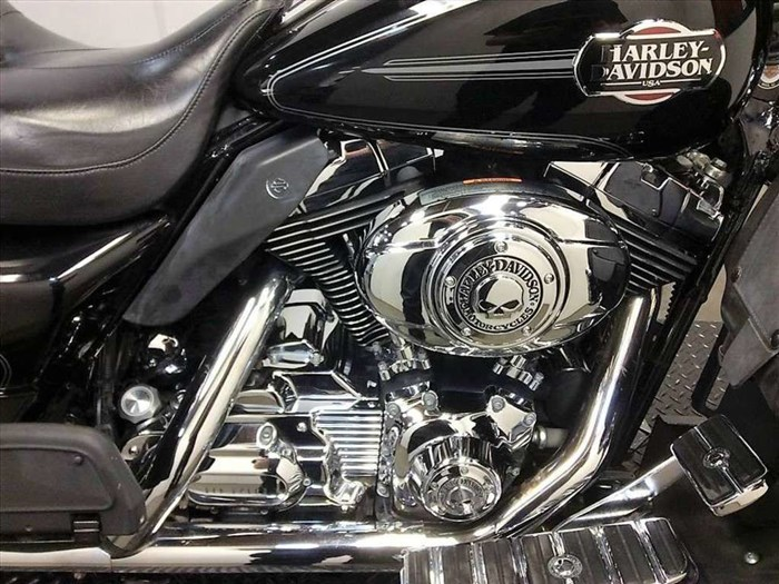 2008 Harley-Davidson Ultra Classic® Electra Glide® Photo 2 of 24