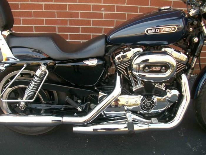 2009 Harley-Davidson Sportster® 1200 Low Photo 2 of 22