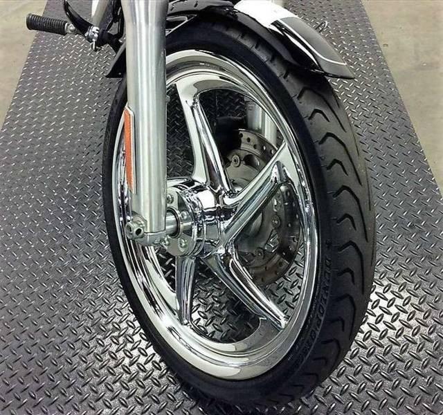 2011 Harley-Davidson FXDWG - Wide Glide® Photo 8 of 11