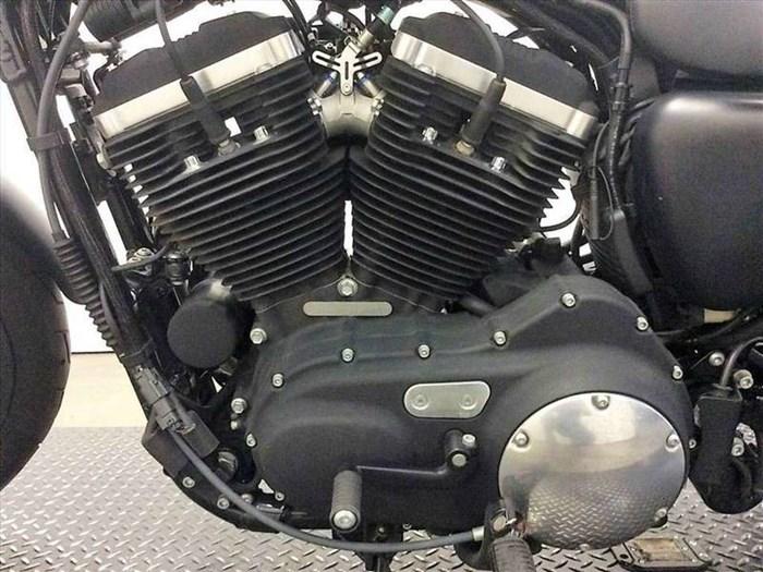 2015 Harley-Davidson XL883N - Sportster® Iron 883™ Photo 5 of 15