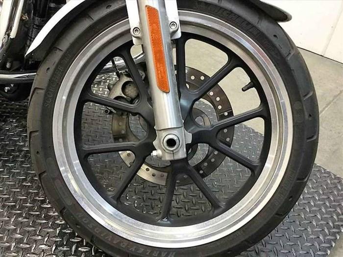2016 Harley-Davidson XL883L - Sportster® SuperLow® Photo 7 of 15