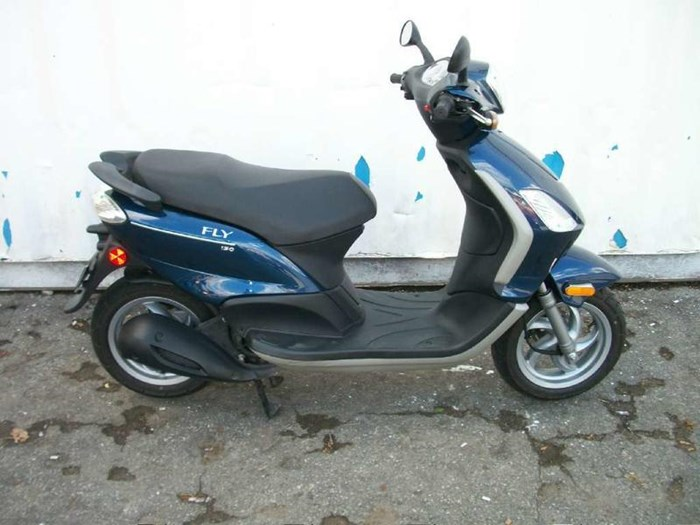 2010 Piaggio Fly 150 Photo 1 of 9