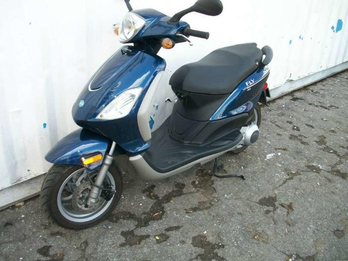 2010 Piaggio Fly 150 Photo 8 of 9