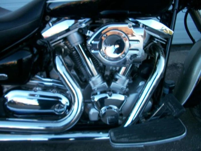 2000 Yamaha Road Star Silverado Photo 3 of 11