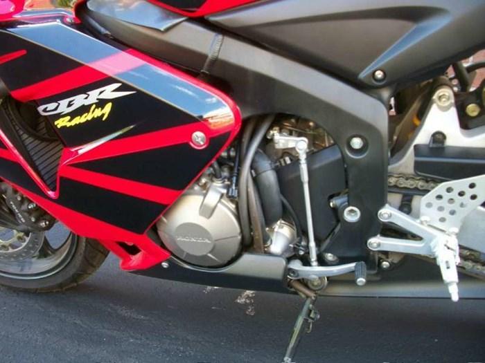 2006 Honda CBR®600RR Photo 18 of 26