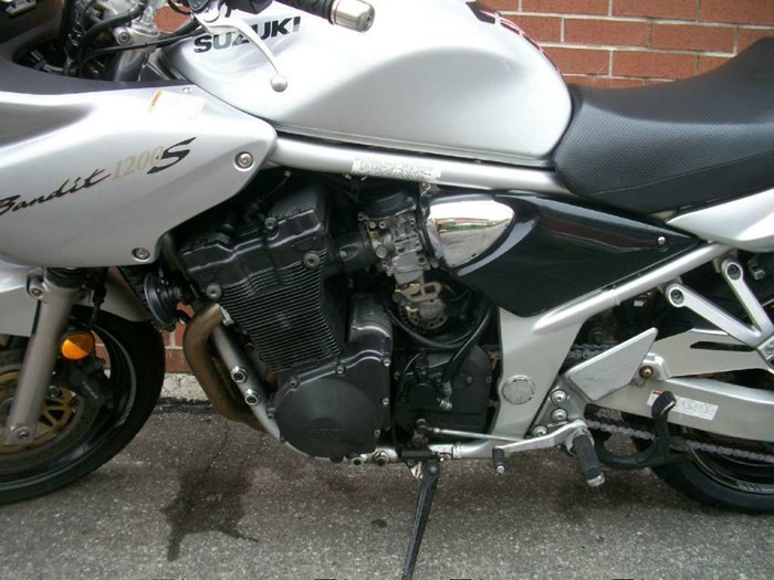 2002 Suzuki Bandit 1200S Photo 10 of 11