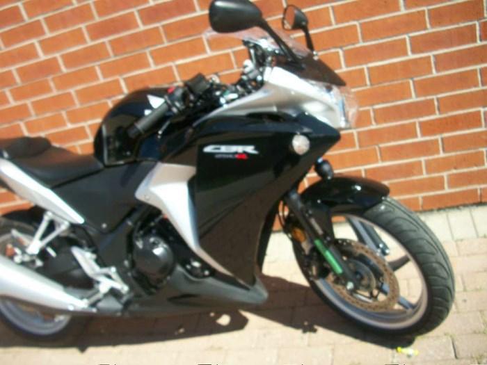 2012 Honda CBR 250RA Photo 2 of 30