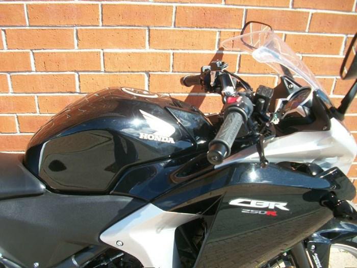 2012 Honda CBR 250RA Photo 3 of 30