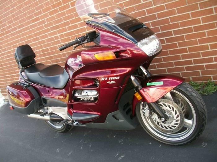 1999 Honda ST1100 Photo 2 sur 33