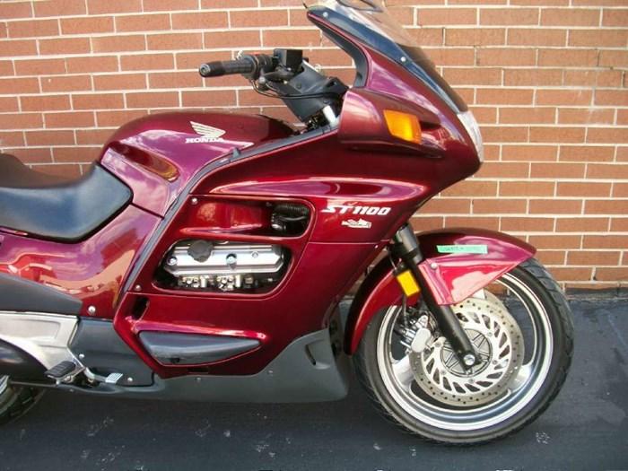 1999 Honda ST1100 Photo 3 sur 33