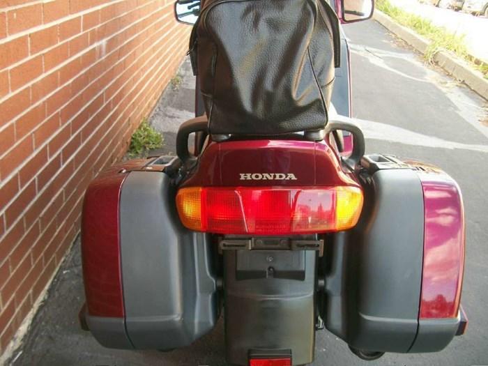 1999 Honda ST1100 Photo 16 sur 33