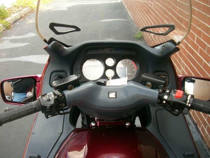 1999 Honda ST1100 Photo 22 sur 33