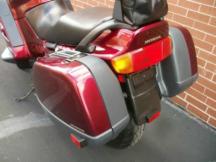 1999 Honda ST1100 Photo 32 sur 33