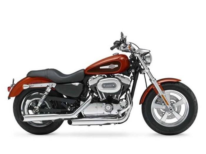 2013 Harley-Davidson XL1200C - Sportster® 1200 Custom Photo 1 of 1